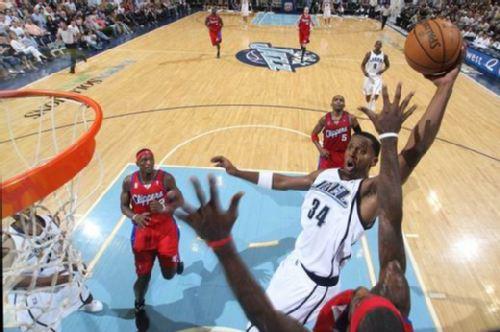 12月4日NBA常规赛快船vs爵士视频直播全场录像回放