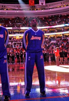 12月17日NBA常规赛湖人vs76人视频直播全场录像回放